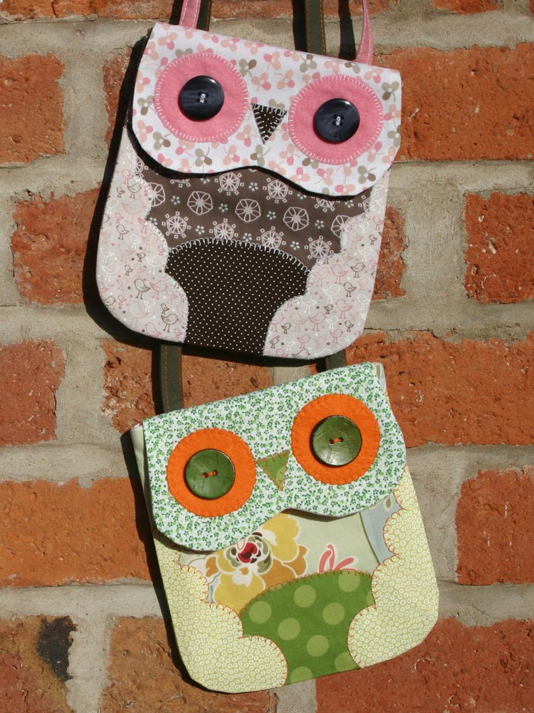 Blog Button Owl Mini Bag