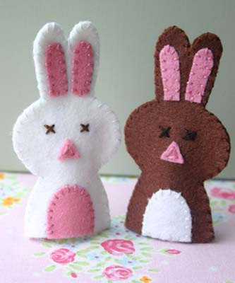 Knitted Finger Puppets: 34 Easy-to-Make Toys: Meg Leach