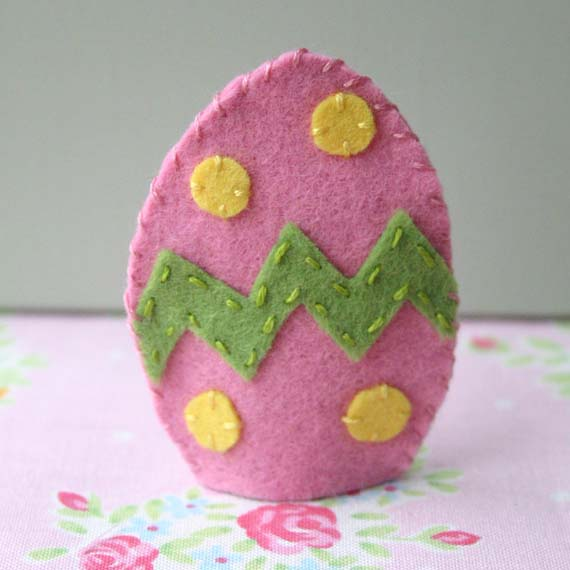 Easter Egg Felt Finger Puppet