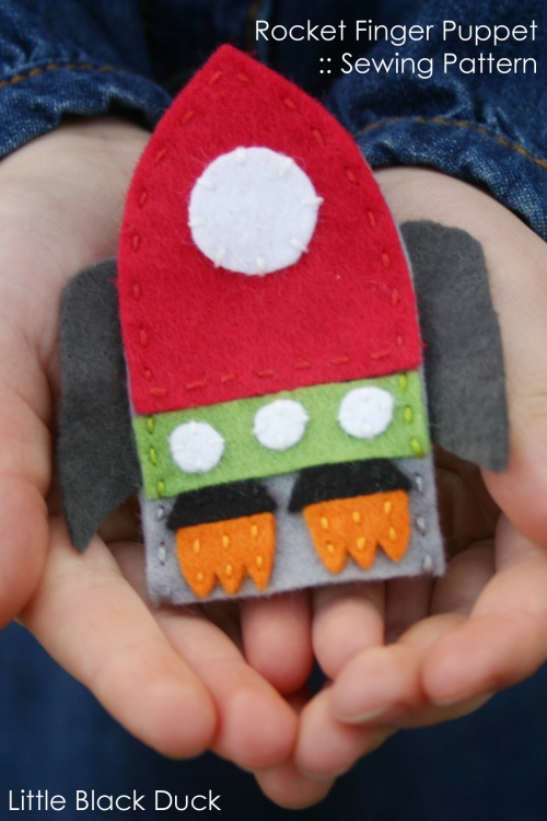 Rocket Finger Puppet Pattern