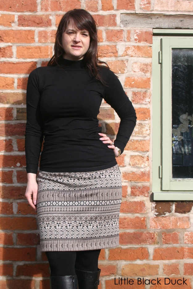 Aztec skirt using the free tutorial from Miss P